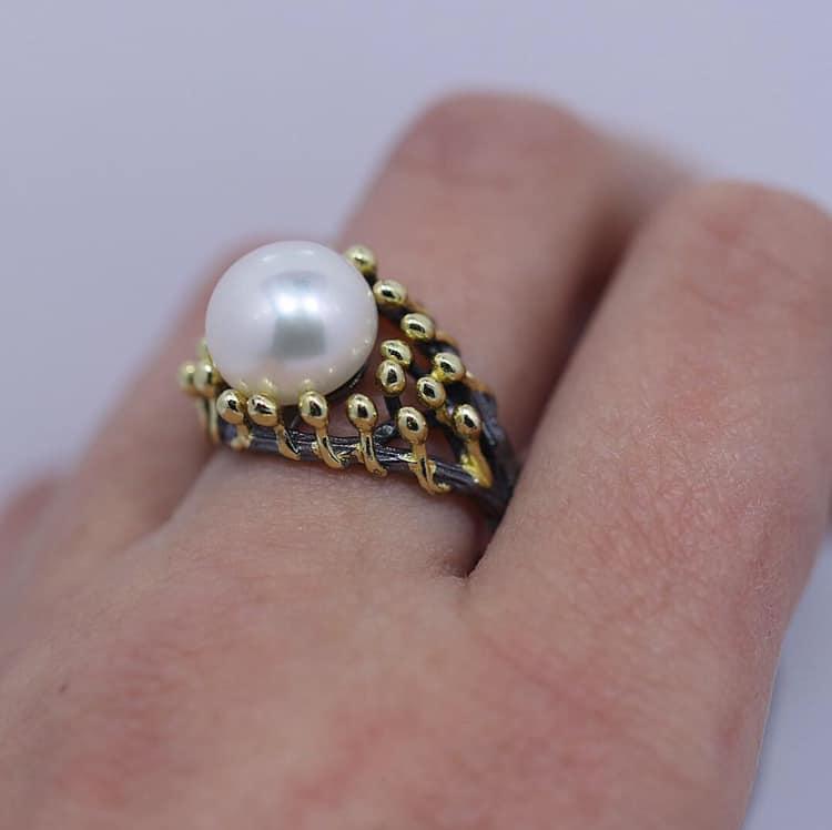 16d99f56c0 Iris Handmade Ring